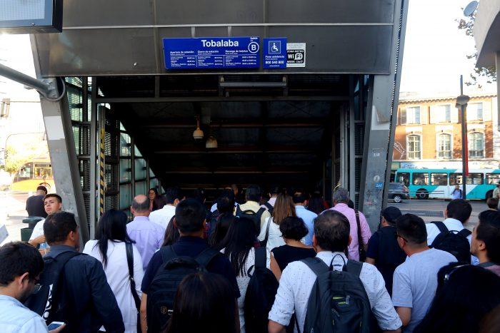Manifestaciones obligan al Metro a cerrar sus estaciones