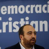 DC presenta minuta con propuestas para acabar con la crisis social: dieta parlamentaria y nueva Constitución son los ejes