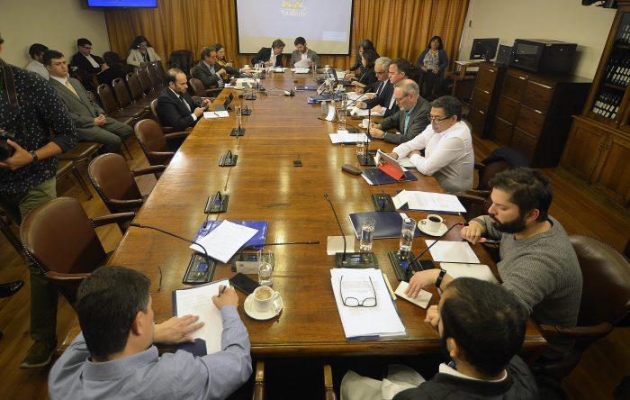Comisión de Constitución de la Cámara aprueba en general proyectos para iniciar proceso constituyente