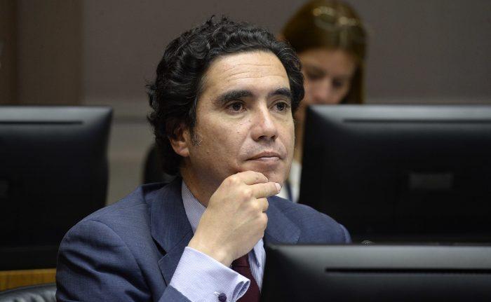 Estallido social golpea a la economía: ministro de Hacienda baja proyección de crecimiento en 2019 a menos de 2%