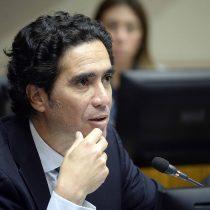 Ministro de Hacienda anuncia que rebaja de tarifas del transporte será para todos los adultos mayores