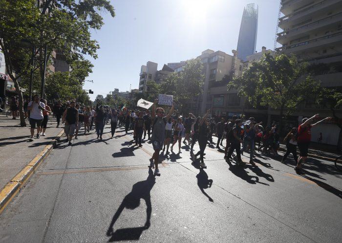 Nueva jornada de incidentes en varios puntos de Providencia y Las Condes - El Mostrador