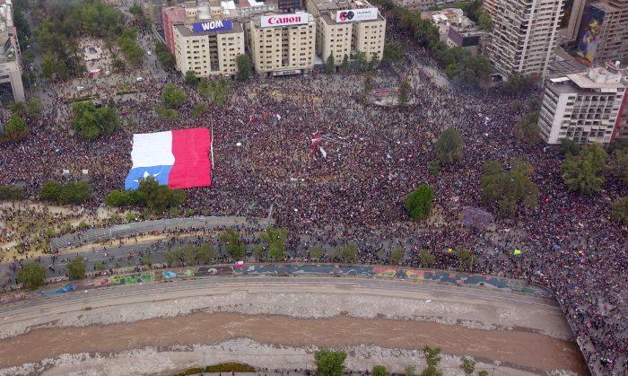 Adiós Plaza Baquedano: Google cambia el nombre del lugar a Plaza de la Dignidad
