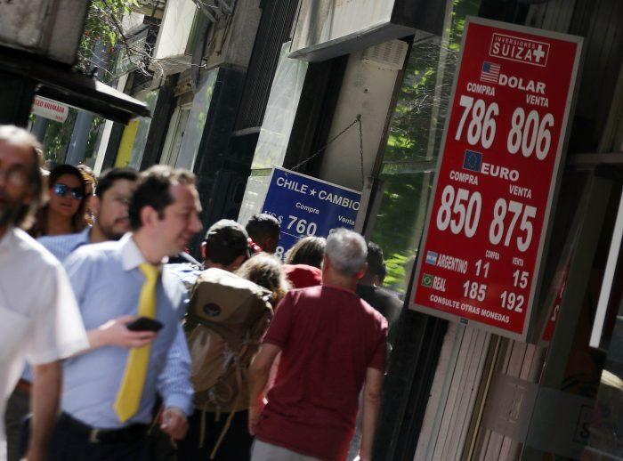 Precio del dólar no da tregua y nuevamente se acerca a los $800 pese a anuncio del Banco Central