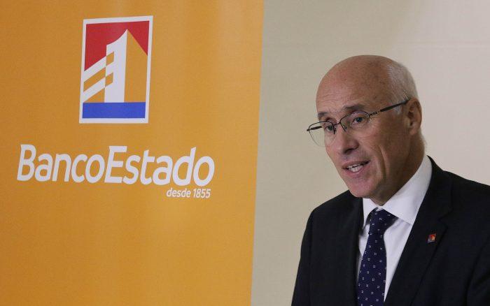 BancoEstado anuncia beneficios para mayores de 65 años: tendrán tres transacciones gratuitas con la CuentaRut