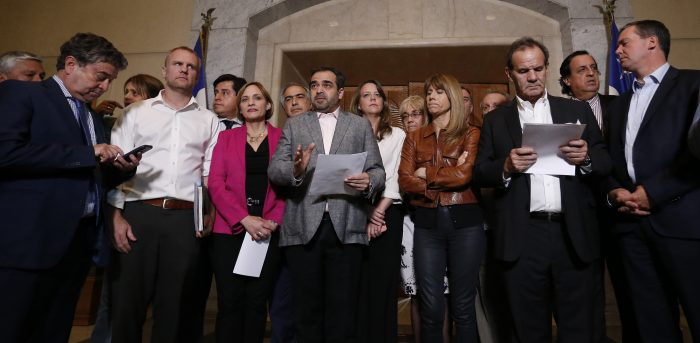Piñera tiene la decisión: senadores le recuerdan que dispone de las atribuciones para restablecer el orden público y reiteran la necesidad de profundizar agenda social