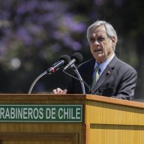Piñera motiva a Carabineros: