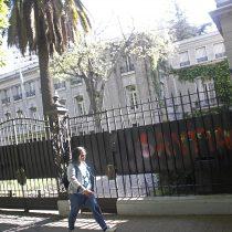 Embajador de Argentina en Chile fue evacuado tras ataque de manifestantes durante protestas en el centro de Santiago