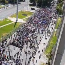 Segunda jornada de Huelga General termina con actuar de Carabineros frente a La Moneda