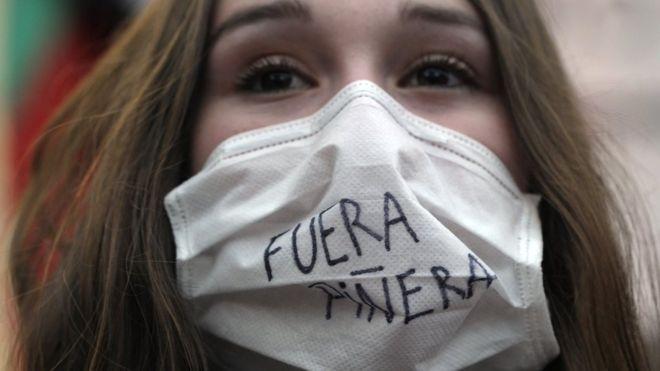 """Protestas en Chile: """"Si tú no tienes plata, te mueres"""", la dura realidad de la salud pública en este país"""