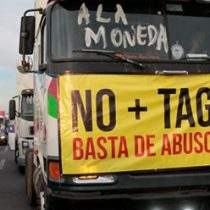 Siguen disconformes: movimiento No + Tag realizó gran caravana hacia el sector oriente de Santiago