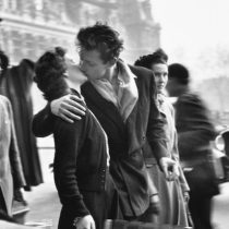 Hijas del fotógrafo Robert Doisneau solicitaron mantener hasta enero exposición