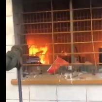 Queman y saquean sede de la UDI en Concepción