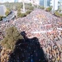 Miles de personas llegan a Plaza Italia por sexto viernes consecutivo