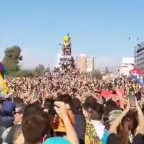 Manifestantes se congregan en Plaza Italia por séptimo viernes consecutivo