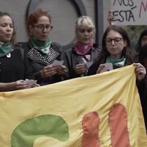 Actrices y trabajadoras de la música se manifiestan fuera del Ministerio de la Mujer y la Equidad de Género