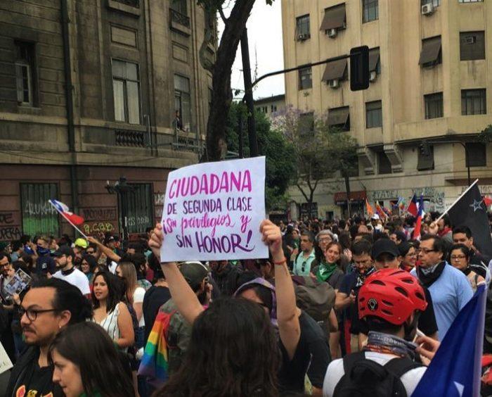 El feminismo se tomó las calles en nueva jornada de movilizaciones en el centro de Santiago