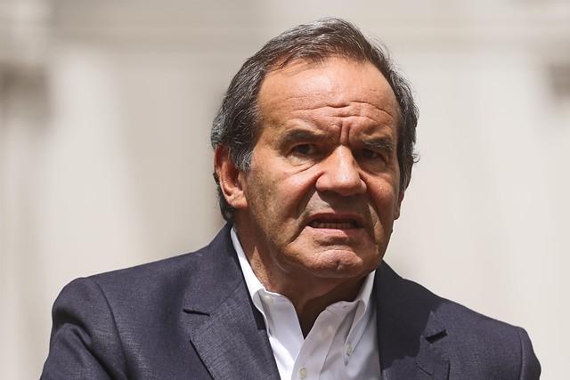 Allamand reinterpreta el acuerdo político para establecer amarras con la Constitución del '80