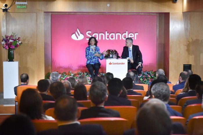 Ana Botín, la mujer poderosa de Santander, aterrizó en Chile para monitorear la crisis