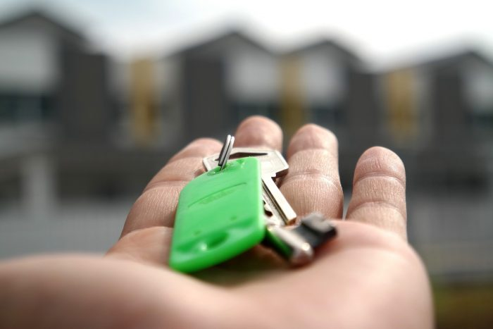 Cómo evitar las complicaciones al comprar una propiedad usada