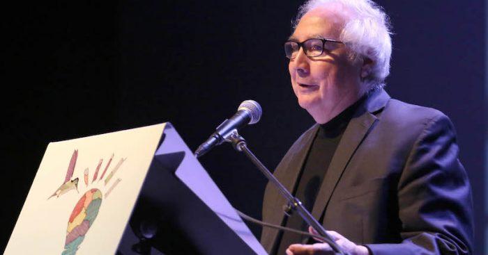 Sociólogo español Manuel Castells en Chile analizó la necesidad de reinventar los modelos políticos