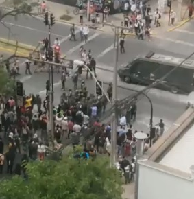 Estudiantes se reúnen en Plaza Ñuñoa en una nueva jornada de manifestaciones