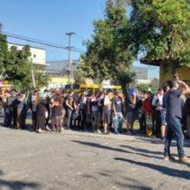 Jóvenes realizan incidentes en cantón de reclutamiento de Puente Alto