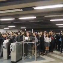 Metro de Santiago: estudiantes secundarios protagonizan manifestaciones en las estaciones Parque Bustamante, Santa Isabel e Irarrázaval