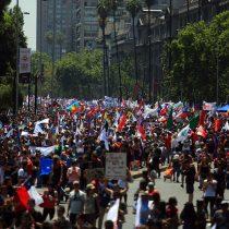 Amplia convocatoria en la Alameda y regiones al llamado de la Mesa de Unidad Social a Huelga General