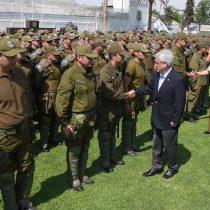 Piñera anuncia proyecto de ley para que FFAA resguarden servicios básicossin decretar Estado de Excepción
