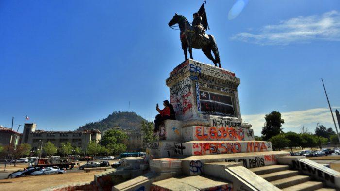 UDI envía carta al Consejo de Monumentos Nacionales para evitar que se retire la estatua de Manuel Baquedano