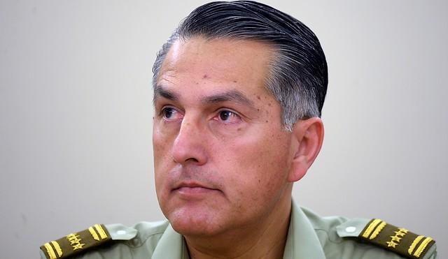 En Santiago, Temuco y Valparaíso organizaciones de DDHH piden al Presidente Piñera la renuncia del general Rozas por abusos policiales