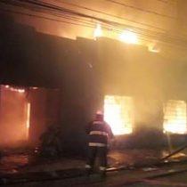 Incendio consume por completo sede de la UDI en Talca