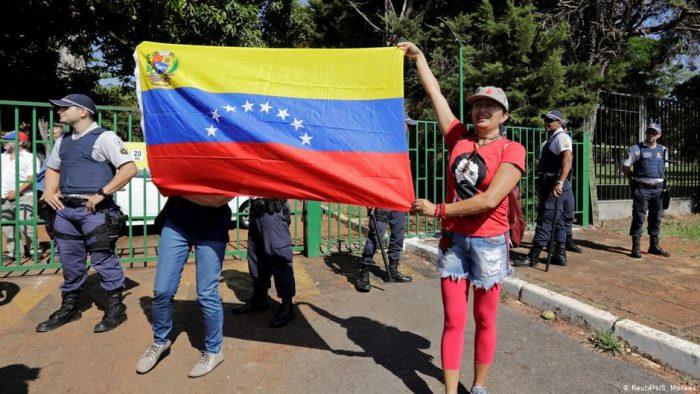 Partidarios de Juan Guaidó irrumpen en la embajada de Venezuela en Brasil