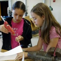 Matemáticas: la clave que puede explicar por qué más chicos que chicas estudian carreras de ciencias