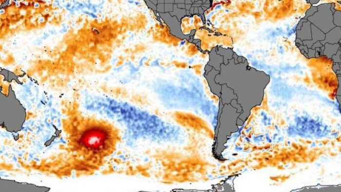 """La """"mancha caliente"""": la masa de agua cálida que apareció en el Pacífico cerca de Nueva Zelanda y se """"mueve"""" a Sudamérica"""