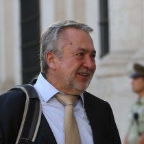 Jorge Atton renuncia a la intendencia de La Araucanía aludiendo