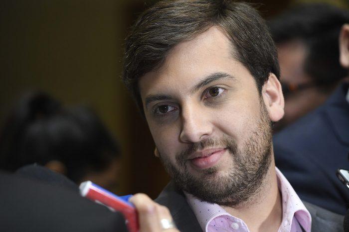 Diputado Soto valora bono anunciado por Piñera pero asegura que no puede pretender que