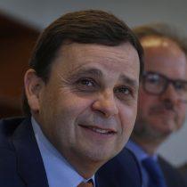 Swett aclara que dichos a favor del Apruebo fue una postura