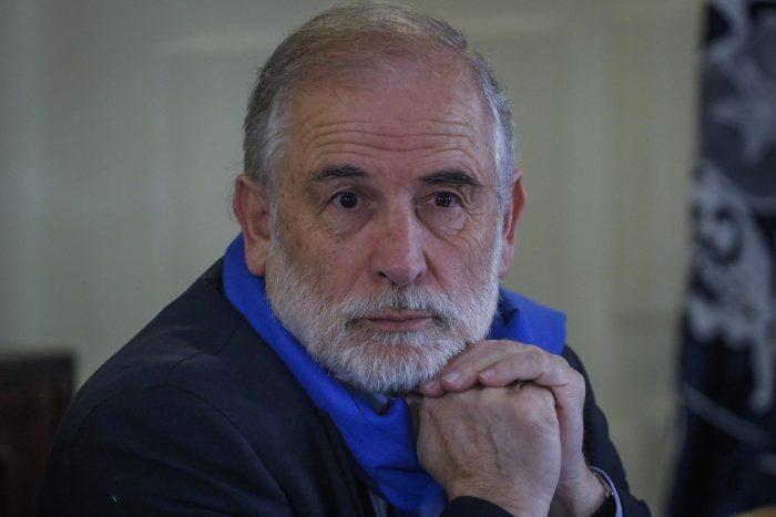 Tras Chadwick, senador Montes advierte posibilidad de acusación contra Blumel: