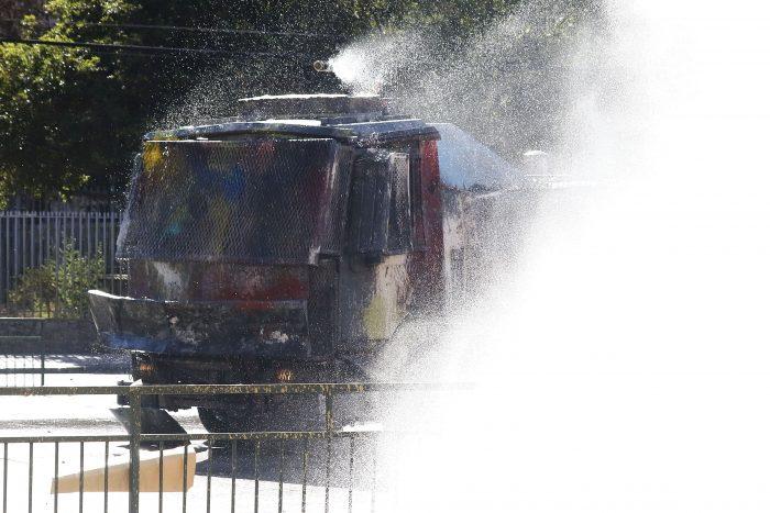 Carabineros descarta soda cáustica en carro lanzaaguas: si la utilizaran habría
