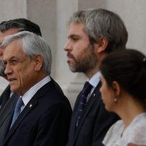 """""""Nada calza"""": citan a ministro Blumel por las declaraciones de Piñera sobre la """"tecnología de punta y organizaciones militares"""" tras los hechos de violencia"""