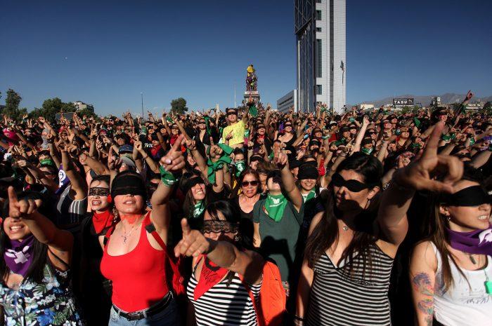 """""""La denuncia interpuesta por Carabineros es un acto de criminalización de la libertad de expresión no solo de LasTesis sino de todas las mujeres que participamos en las performances"""""""