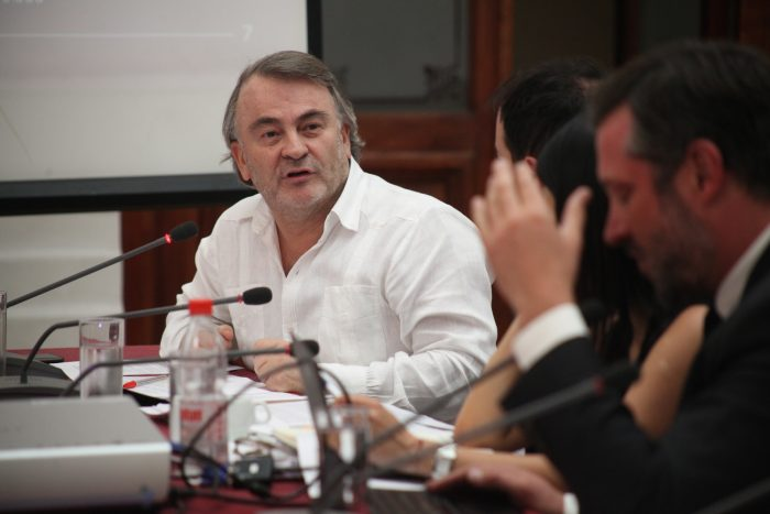 Pepe Auth defiende su voto: la centroizquierda