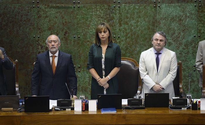 Diputados rechazan censura a la Mesa de la Cámara presidida por Iván Flores