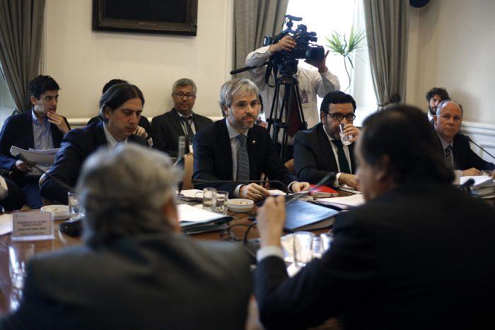 Senadores advierten que le bajarán dos tonos a la ley antisaqueos tras polémica aprobación en la Cámara de Diputados