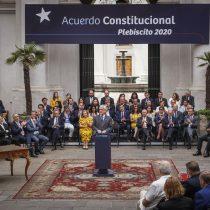 Fustigan a Piñera por intentar pautear contenidos de la nueva Constitución