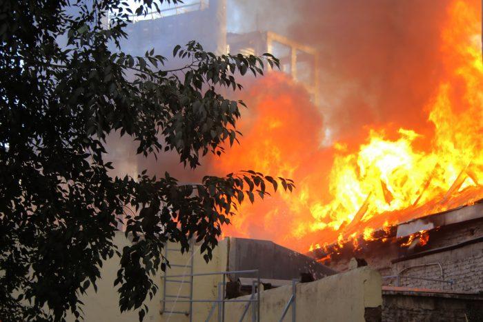 Diputada Marzán emplaza al ministro Blumel a explicar protocolos de Carabineros que terminaron con incendio en el Cine Arte Alameda