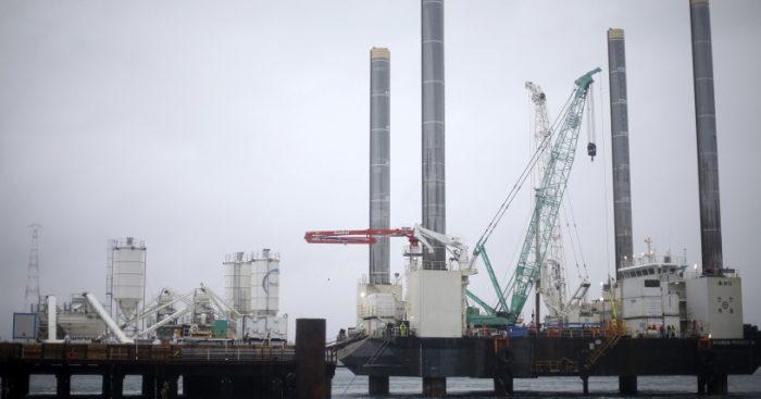 Tras acusación de Hyundai al MOP: Intendente Jürgensen asegura que las obras de construcción del Puente Chacao