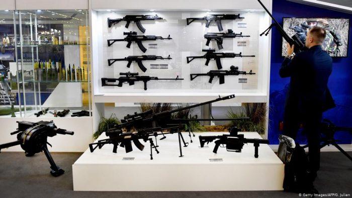 Venta mundial de armas dejó 420.000 millones de dólares en ganancias